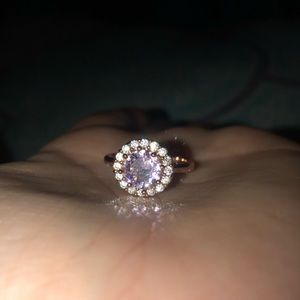 Jewelry - Rose gold ring
